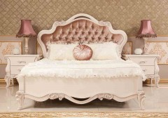 beautiful classic bed